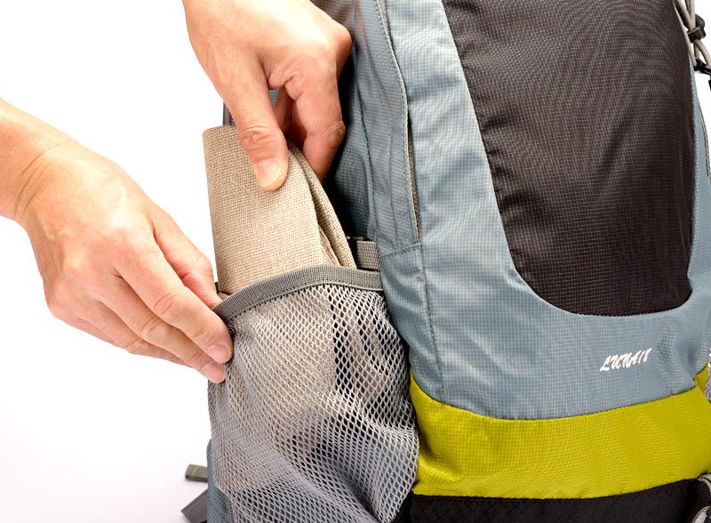 井上帽子 in-hk004 柿渋染め 折りたたみキャップ 日本製 折り畳んで持ち運べます。旅行にも最適! つば部分の心材は、折り畳んでも大丈夫な素材を使用。リュックの脇ポケットやパンツのポケットに小さく折り畳んで収納可能です。