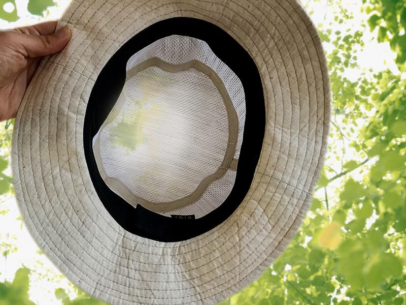 井上帽子 in-hli011 折りたためる麻×メッシュハット 日本製 天然素材の麻100%で涼しさ抜群!メッシュ感のある麻素材で、太陽に透かすとほんのり奥が見えるほど。通気性がよく、涼しい着用感は夏の帽子に最適。つばの裏側にはUV加工した素材を使用しています。