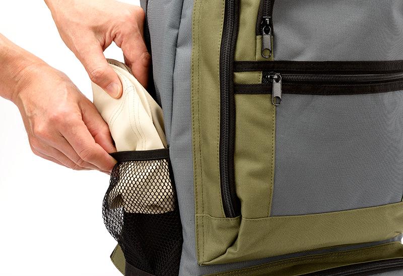 井上帽子 in-hpu008 レザー調ハンチング 手洗い可能!折り畳んで、持ち運べる、旅行に最適の帽子 手洗いできる素材を使用しているので、汗をかいても快適にかぶれます。 ツバ芯部分も折り畳み可能な素材を使用。リュックの脇ポケットやパンツのポケットに小さく折り畳んで収納可能です。