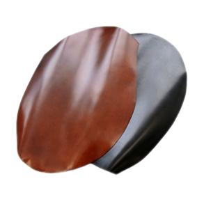 """Milagro ミラグロ ke-c002 コードバン 馬蹄コインケース 憧れの逸品、希少で高価な革の宝石 コードバンは馬尻の革を使用しています。馬1頭から財布数個分しか取れない希少で高価な革です。そのため、革の価格も牛革と比較して約5倍とされています。本製品に使っているコードバンは、原皮を欧州から輸入し、日本屈指のコードバンタンナーであるレーデル小川でなめされた""""まさに本物""""の革を使用しています。"""