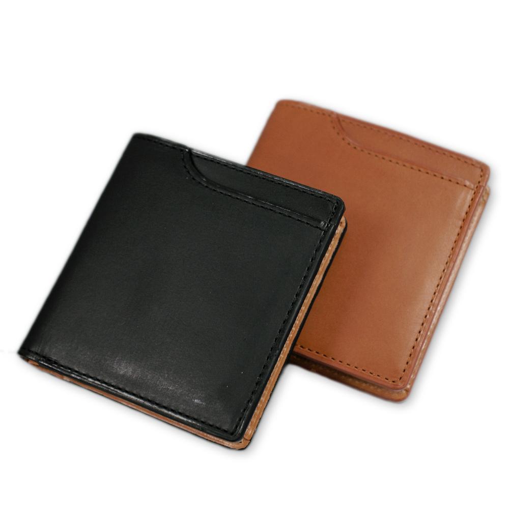 Milagro ミラグロ イタリアンレザー ミネルバリスシオ ミニマム二つ折り財布 ke-w007 日本の熟練した職人が仕上げた、シンプルで機能的な二つ折り財布 素材にも縫製にもこだわったコンパクトな財布。手のひらに収まるくらいのサイズですが、機能性と使いやすさは抜群。こんなに小さいのに札入れ、小銭入れ、カードケースとすべて収まってしまうのは、日本のお札に合わせて、ミリ単位までこだわってデザインされた証拠。Made in Japanと使ってみてわかる財布です。