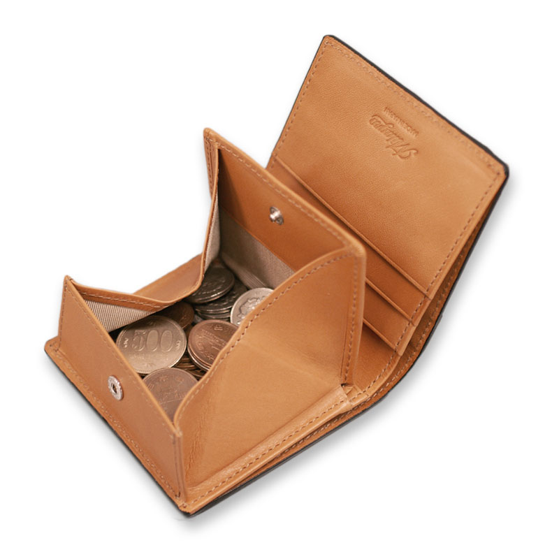 Milagro ミラグロ イタリアンレザー ミネルバリスシオ ミニマム二つ折り財布 ke-w007 小銭入れは人気のBOX型 小銭入れは人気のBOX型で、小さくても中身が見やすく、取り出しやすいデザイン。