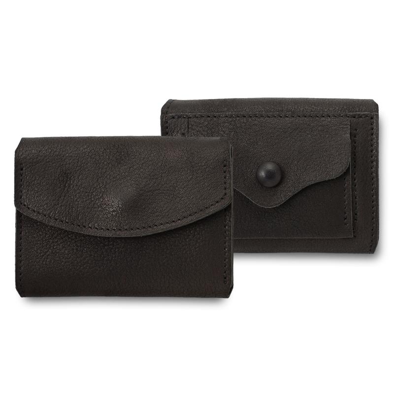 池之端銀革店 ot-c004 姫路産シュリンクレザー ミニマムウォレット 姫路産の一枚革を使った手のひらサイズの小さい財布 日本でも有数の革の産地である姫路。その地で作られたシュリンクレザーを使用したお財布。全体にシボがあり、柔らかいのが特長です。あえて裏地を張らず、一枚革仕立てでシンプルに作りました。素材から製造に至るまで純国産にこだわった財布です。