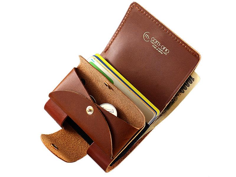com-ono コムォノ 池之端銀革店 otco-t002 日本製 前面の小銭入れの後ろに、カード約5枚が収納できます。出す時はカードを下から押せるので出しやすくなっています。